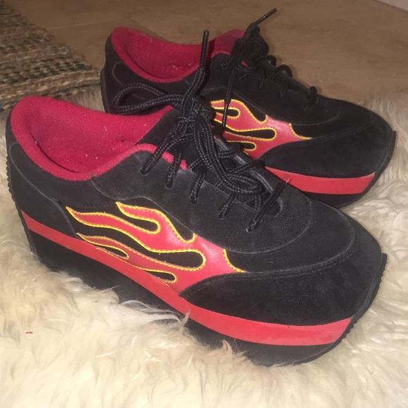 4a3fb4e141f Vintage 80s Flame Platform Sneakers. M 5b20cb039539f73d836e62bb